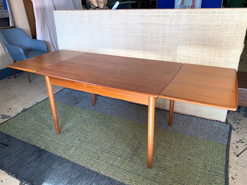 pull-leaf-danish-dining-table.jpg