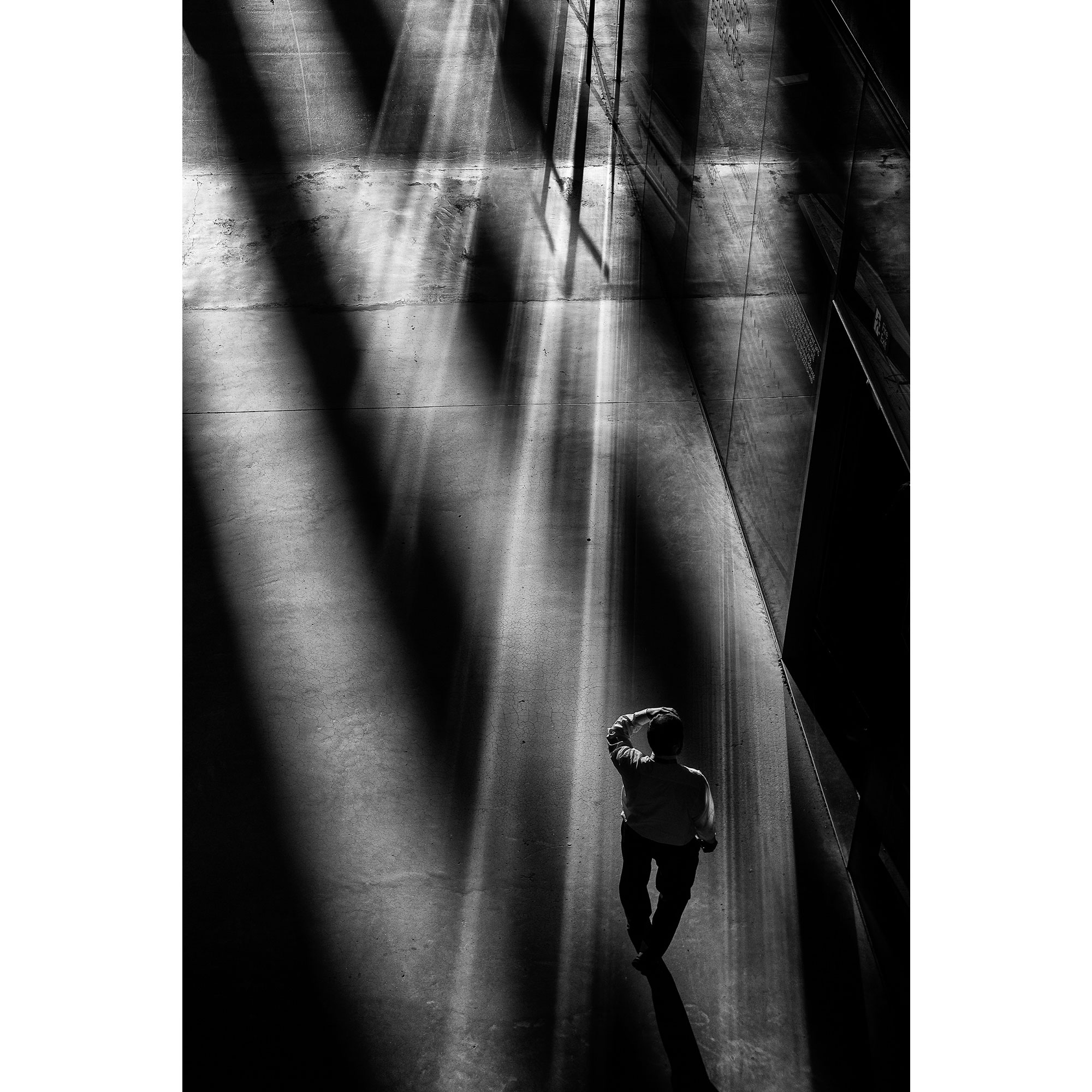 Craig reilly photography tate modern light reflections bnw