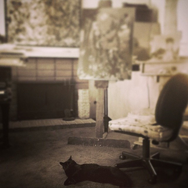 Just another caturday in my temporary studio while we wonder about futures #caturday #studio #lolafineart #withcharliethehandsomepanther