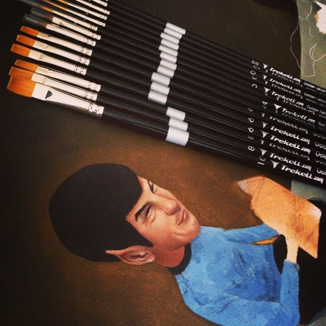 My latest order of @trekell_art_supplies brushes just arrived, and so quick! Thanks as always you guys, and a 😉 to Courtney for always sending a sweet little message along with my order 🎨🔭⚡️#trekellartsupplies #lolafineart #detail #wip #december #theyounger