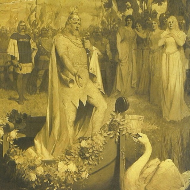 I have a highly yet healthy obsession for the swan king #ludwigii #Neuschwansteincastle #sexyswans