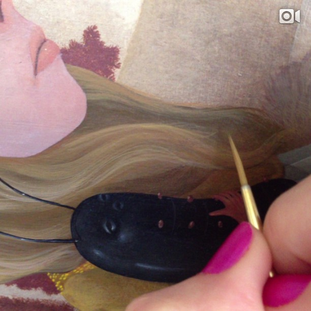 Painting fine hair while listening to my sister @steph_strand beautiful music. She inspires me 💚