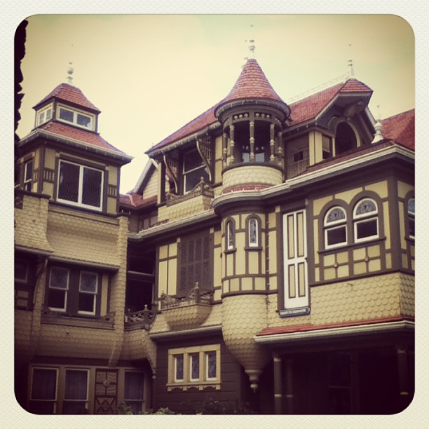 Quite cold inside this maze (at Winchester Mystery House)