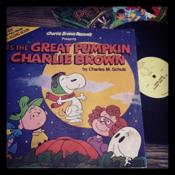 I'm so in love with Charlie Brown….. And good vinyl #happyhalloweenwestcoast zzzzzz for me