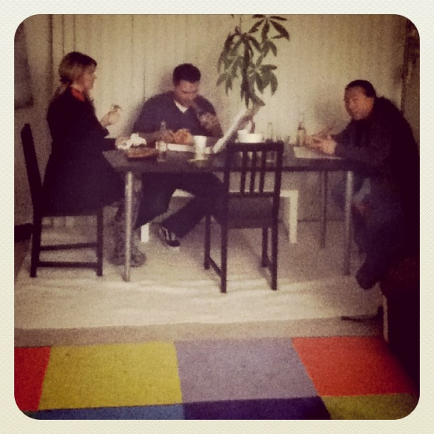 Family pizza @brandimilne @fistofthesoutherncross @travislouie (Taken with instagram)