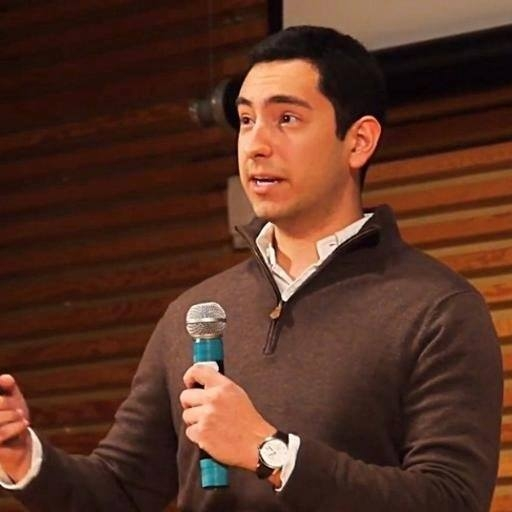 Before joining the ride-share industry, Eric studied mathematics at the University of Michigan and consulted for various early-stage startups. He has previously worked on NSF-backed research and National Nuclear Security Administration projects with some of the leading scientists from NASA, Harvard, MIT, and the DOE. Outside of Cargo, Eric is an olympic weightlifter, powerlifter, and ravenous eater.