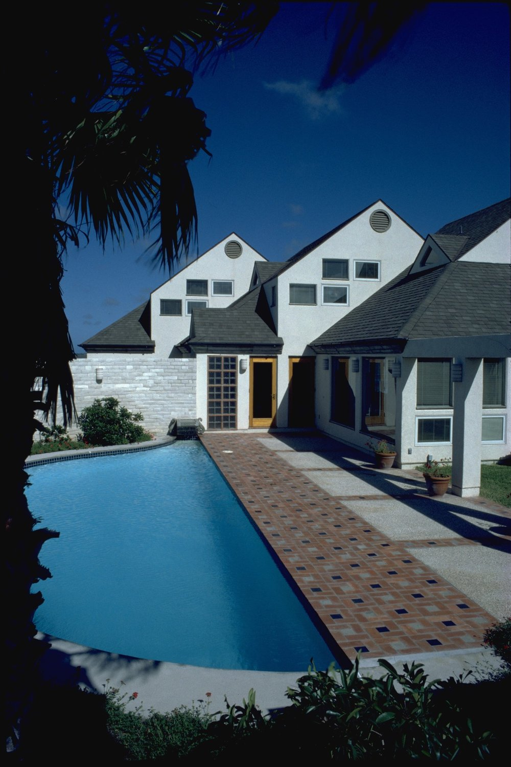 richter residence pool.jpg