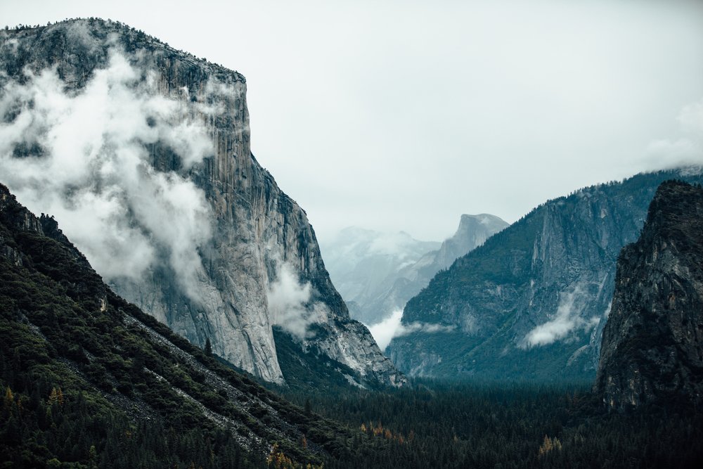 Tunnel View Yosemite California.jpg