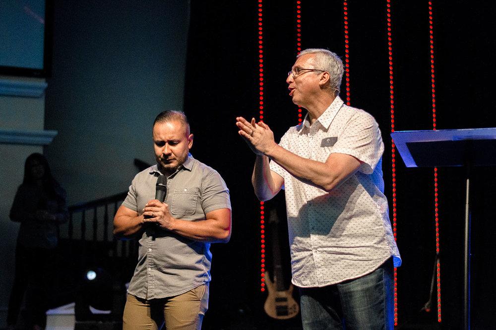 Pastor_gonzalez_ceasar_preaching