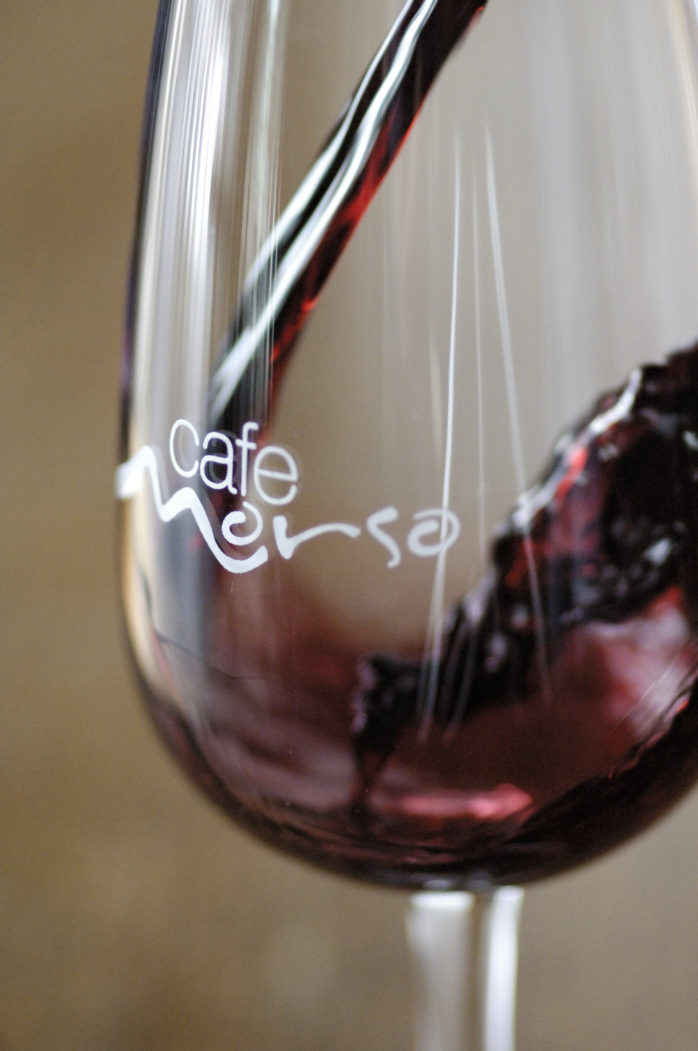 red wine pour1.JPG