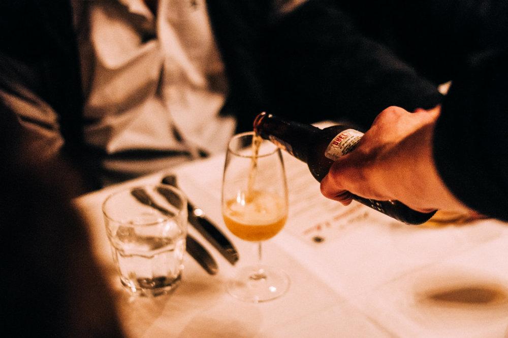 Beergustation table service.jpg