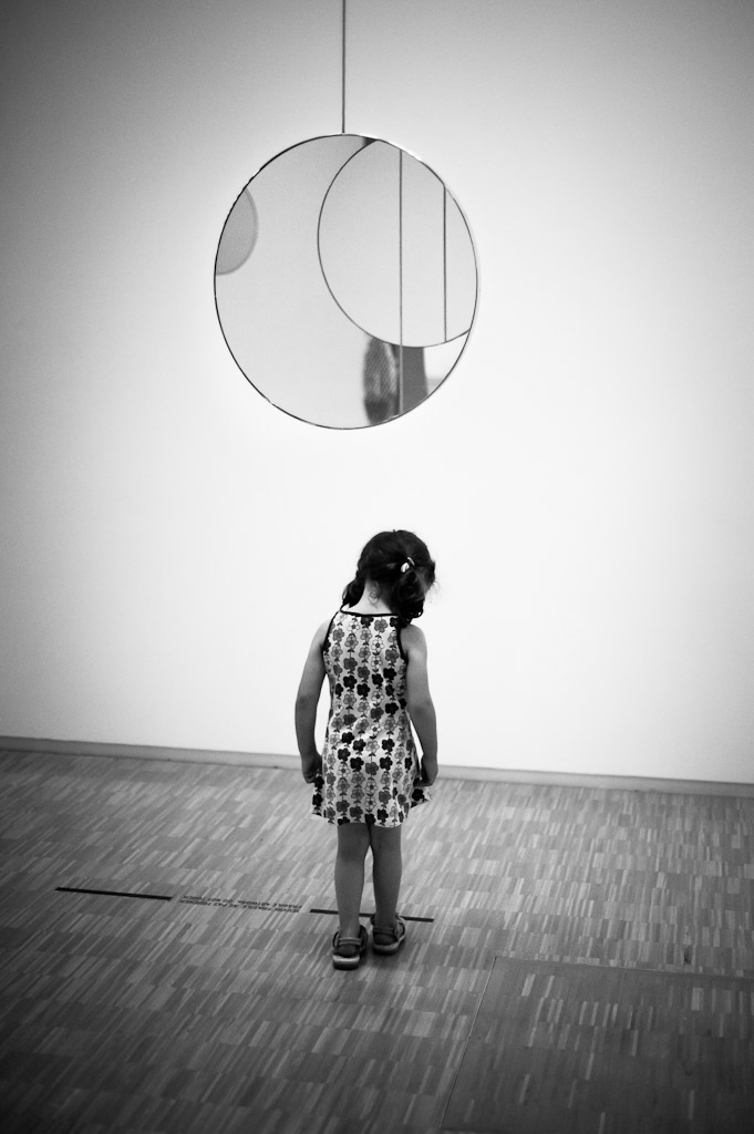 Little girl at Centre Pompidou (B&W)