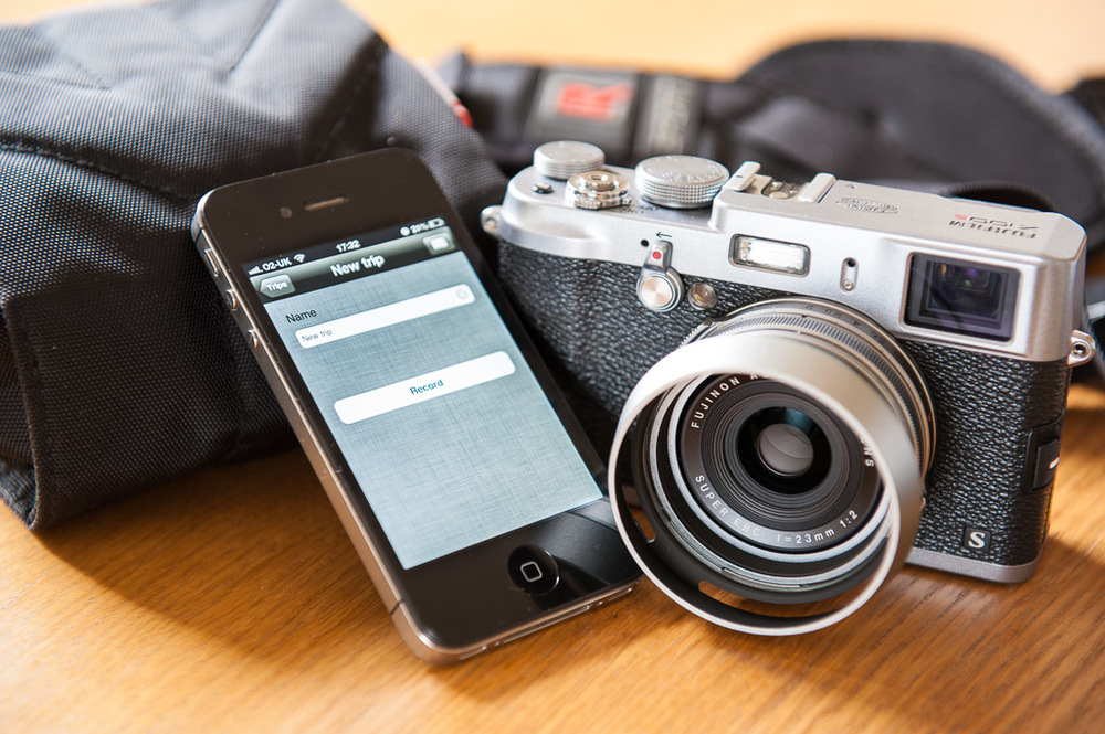Fujifilm Finepix X100s and iPhone