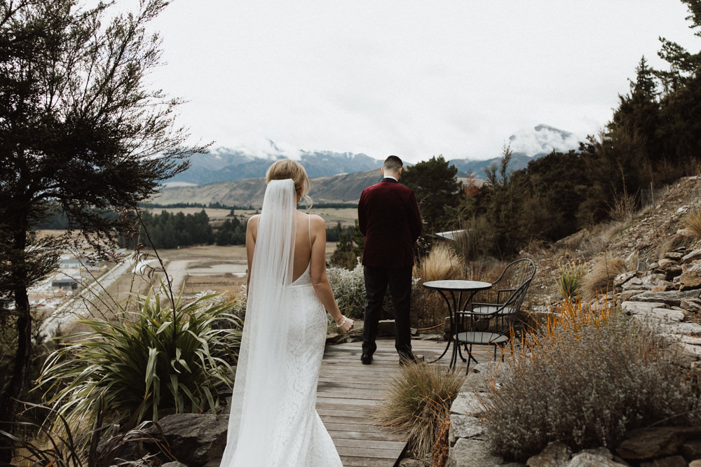 Wanaka Roys Peak Wedding-29.jpg