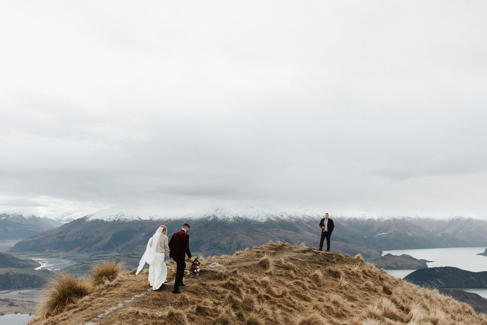 Wanaka Roys Peak Wedding-44.jpg