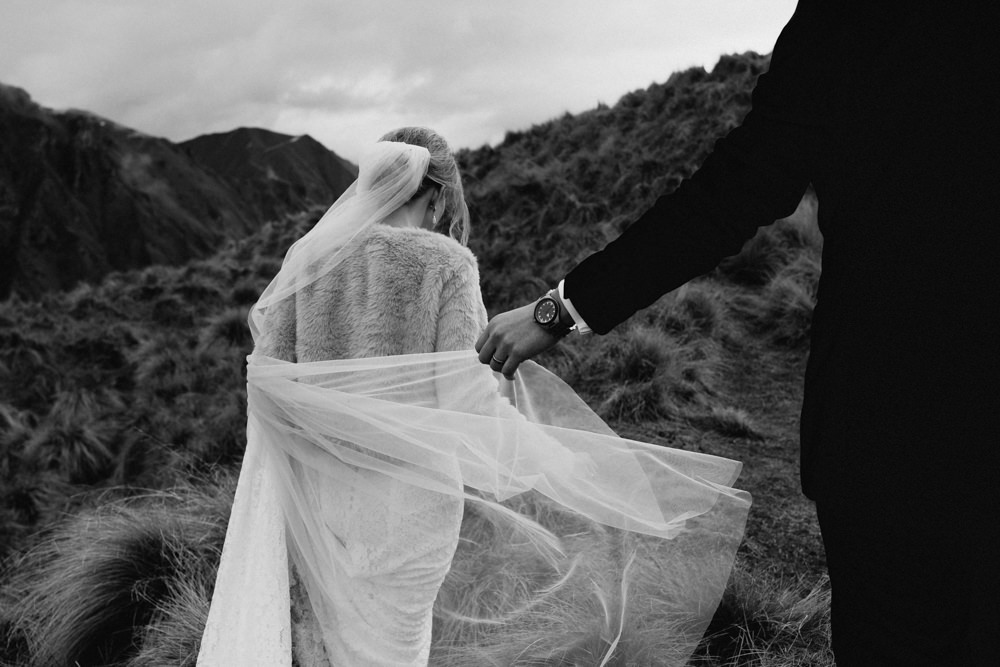 Wanaka Roys Peak Wedding-69.jpg