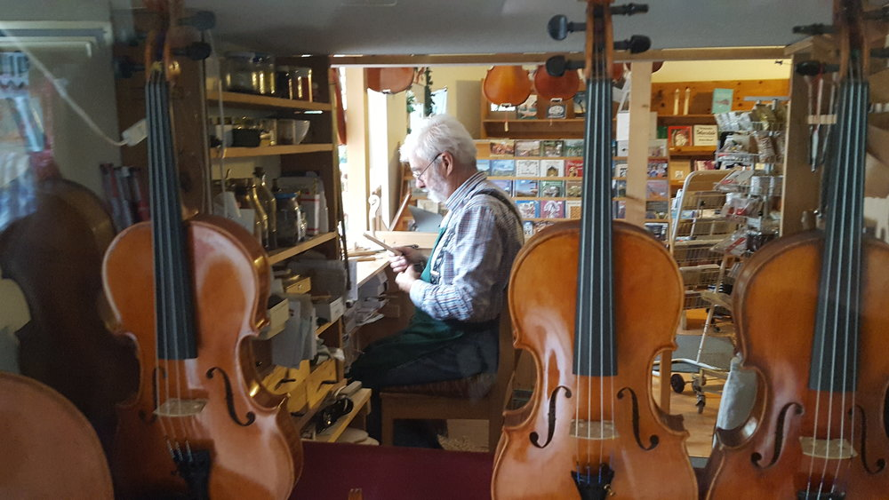 Violin Craftsman