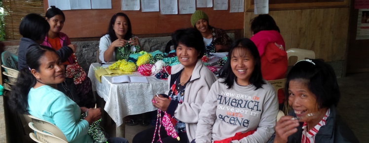 On The Glo, Knitters, Knitting, Ifuago, Philippines