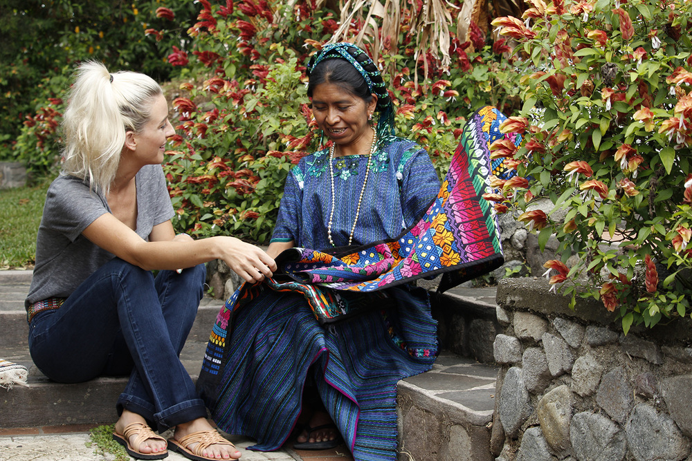 Alyssa McGarry with artist Maria in San Antonio Palopo, Guatemala. Photo: Hiptipico