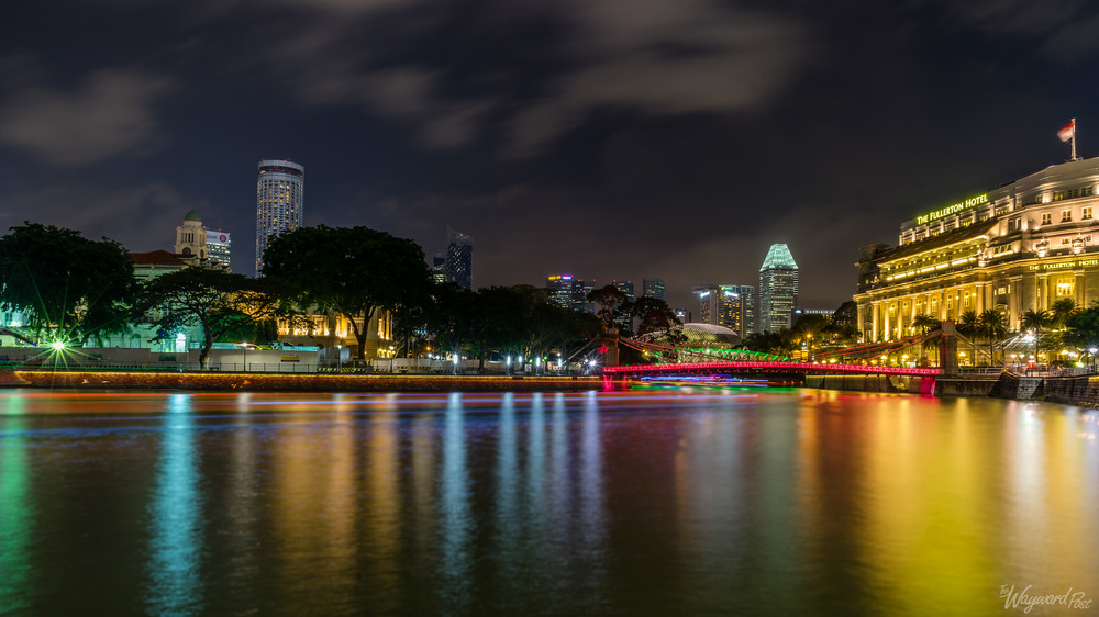 The Singapore River, flowing into the Bay. Photo by Zygmunt Spray.