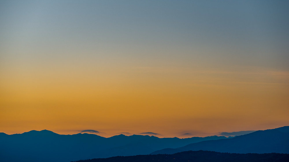 Sunrise over the Great Smoky Mountains National Park - Photo: Zygmunt Spray