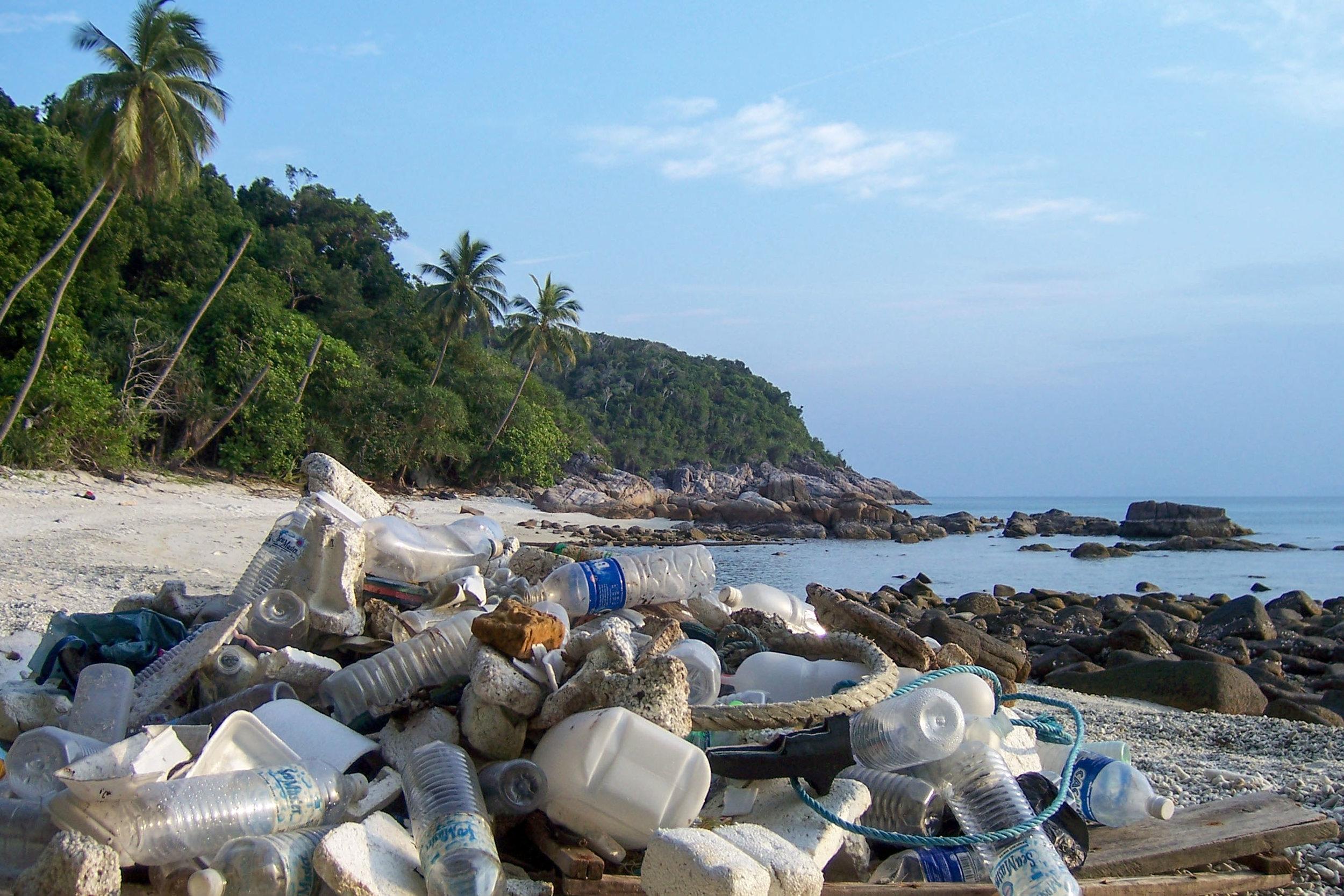 Bali And Gili Islands Paradise Tainted By Trash The Wayward Post