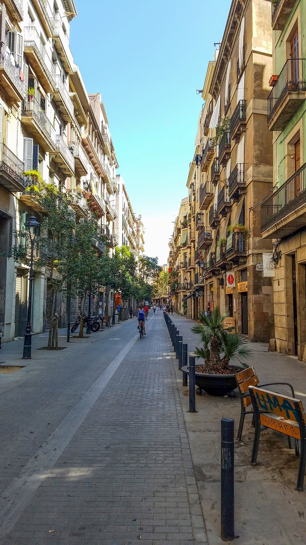 Narrow streets of BCN - Photo by Shelley Treadaway