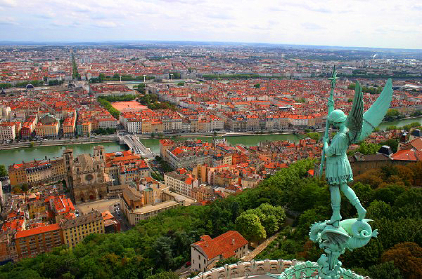 Lyon, France: A Walking Tour For Sights, Local Businesses