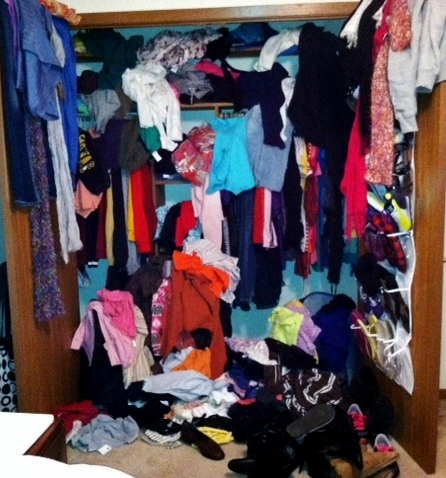 9 REASONS YOUR CLOSET LOOKS LIKE THIS