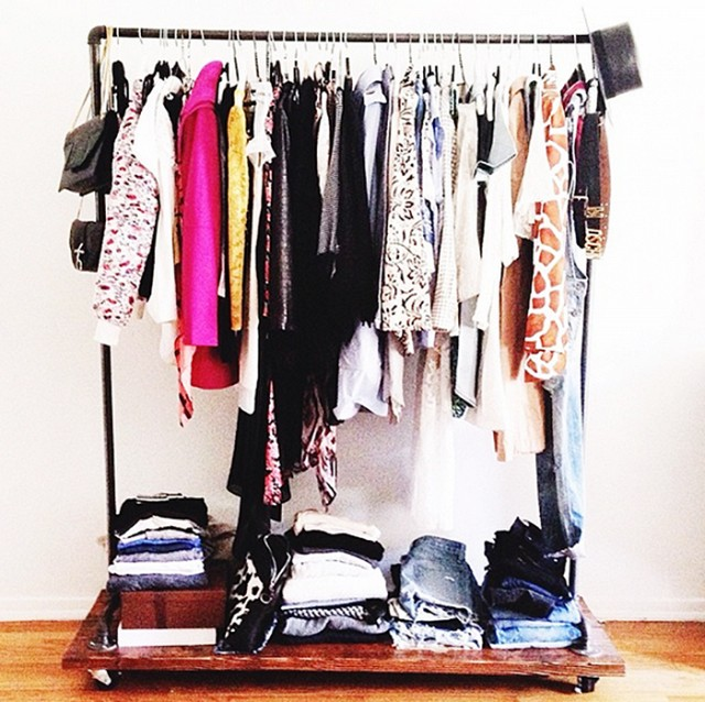 BACK TO BASICS - JOURNEY TO A MINIMALIST CLOSET...