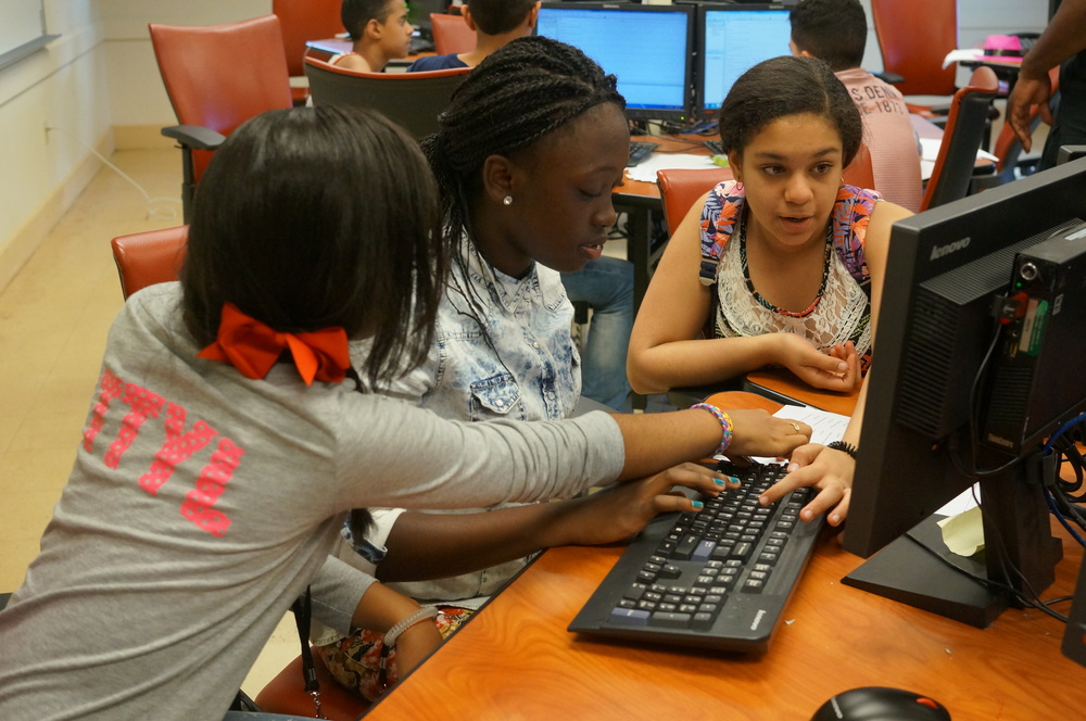 BEAM girls learn computer programming