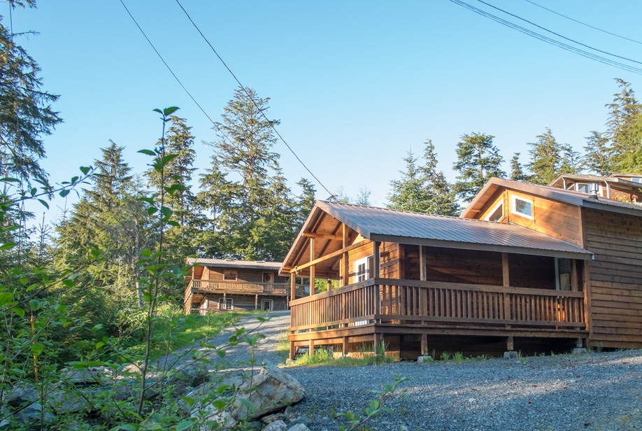 Nestled below the Cottage and House, this smaller unit has a lot of the same amenities and more.  Enjoy the large propane-fired smoker situated right next to the bungalow.