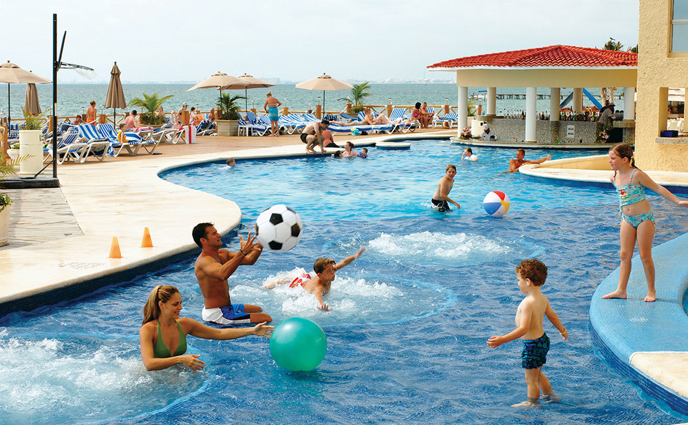 AllRitmo-cancun-pool.jpg