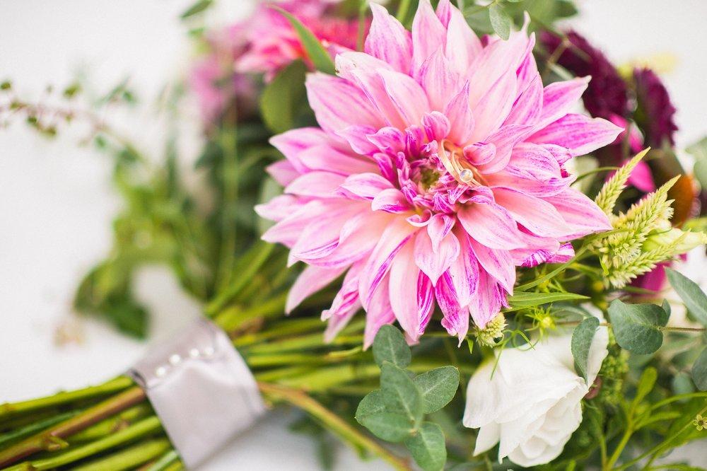 Color Fields Bouquet Photo: Kissick Weddings