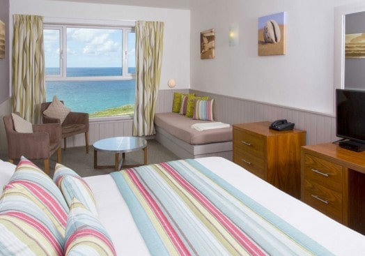 Sands Resort Hotel and Spa - Enjoy stunning views of the Atlantic at this gorgeous family friendly hotel. Prices from £67.50 including breakfast.
