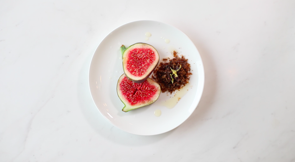 Fig with mealworms powder