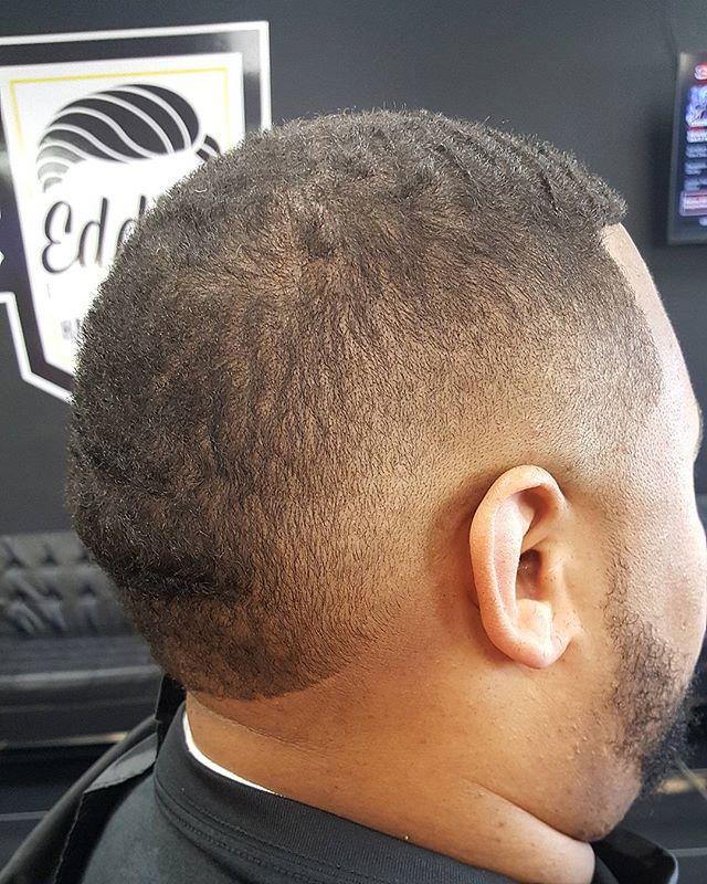 Another ☝! #EddiesBarbershop #Barberlife #BarberGang #BeardGang #HoustonBarbers #worldbarbershops #Barbersbelike #sharpfade #shearclub #AndisPro #WahlPro #TheWoodlandsTexas #SpringTexas #TowersWoodland #RayfordSawdust #TaperFade #BurstFade #ModernBarbers #MagnoliaTexas