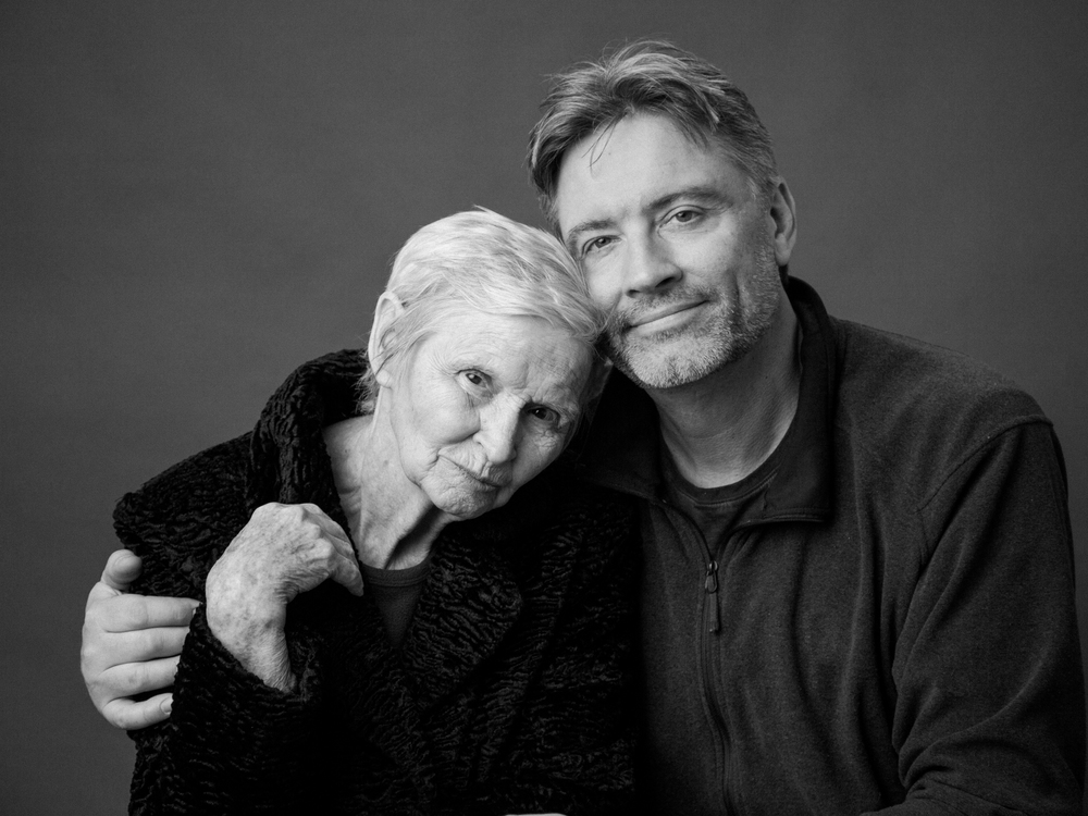Sandra Coan Photography, photos of adult children with their parents