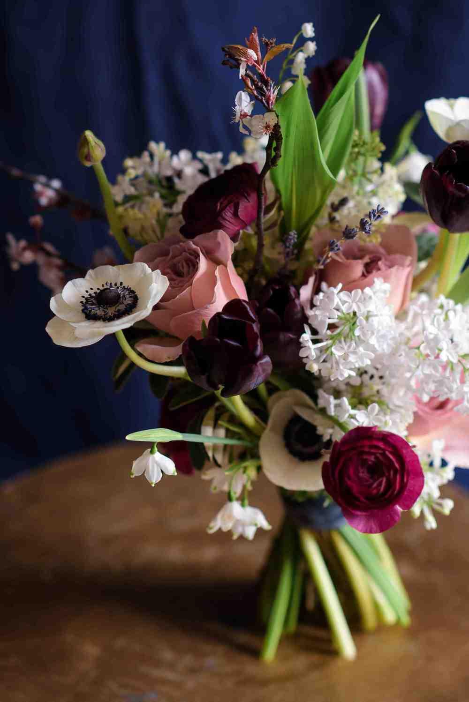 Bloomologie handtied bouquet