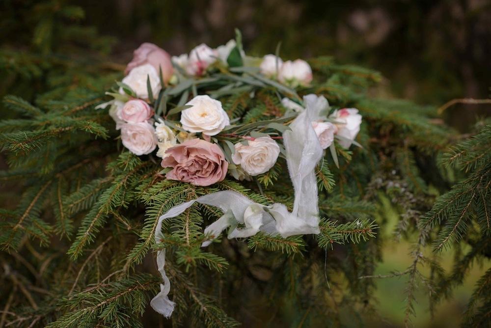 Bloomologie bridal flower crown
