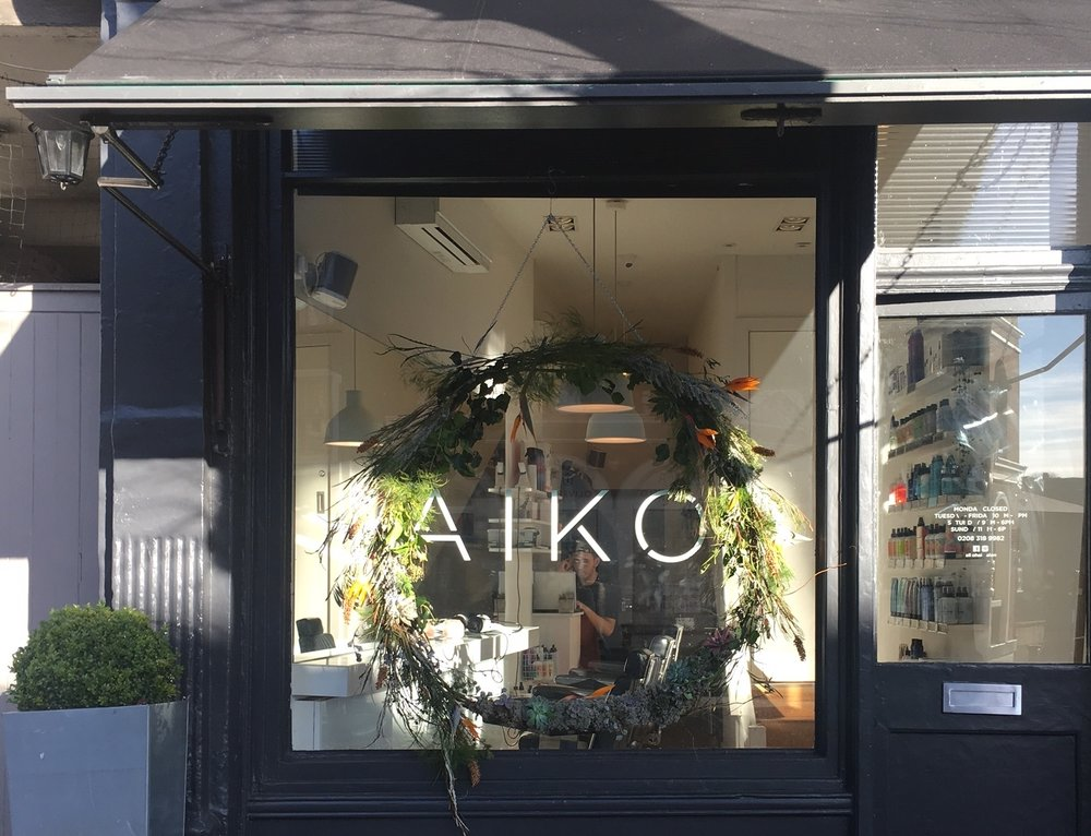 Bloomologie Aiko Christmas wreath
