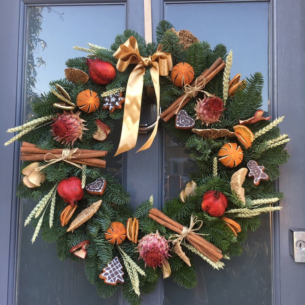 Bloomologie Foodie wreath