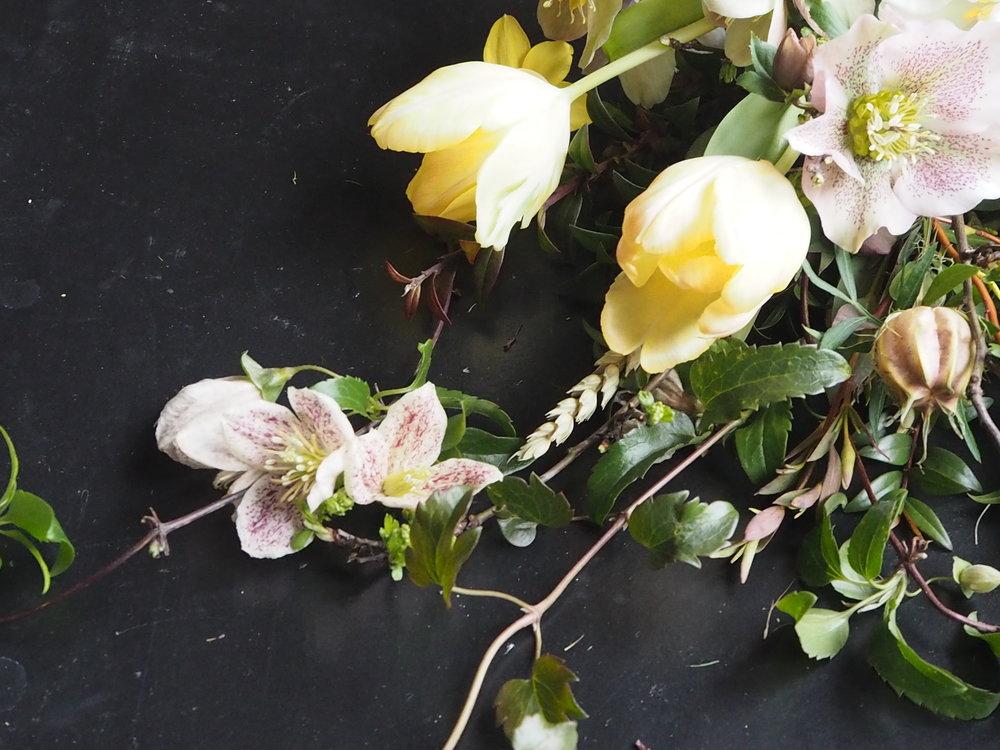 Bloomologie british february bouquet
