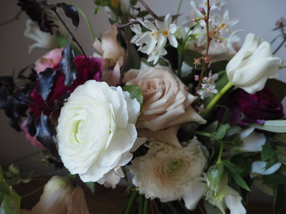 Bloomologie blackheath florist wedding bouquet roses ranunculus