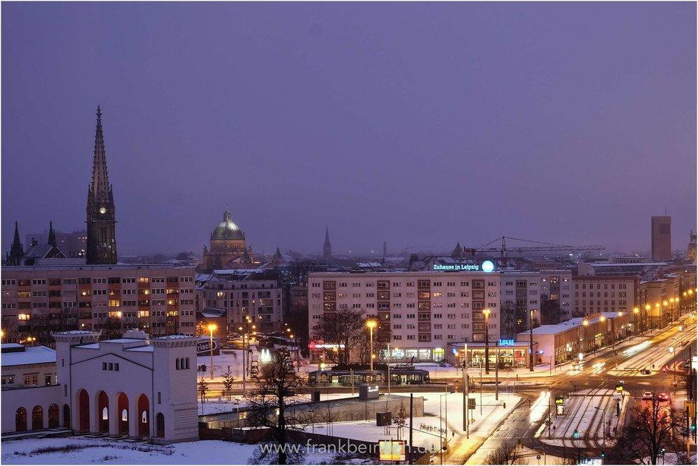 Peterskirche im Schnee.jpg