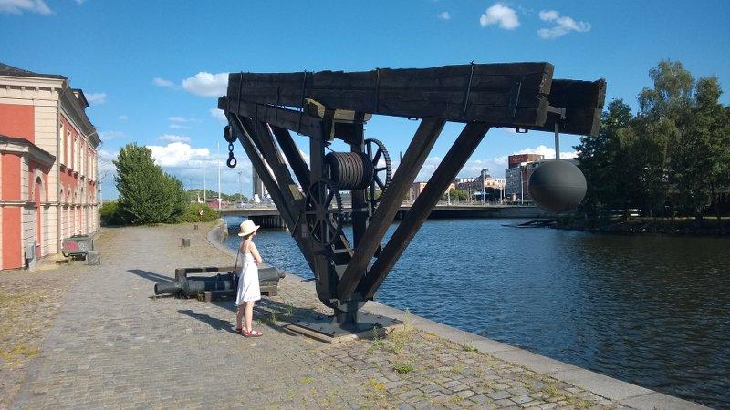 Остатки разгрузочныхустройств бывшего порт