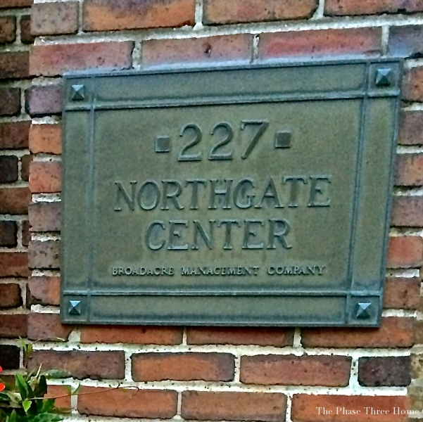 Northgate plaque, Lake Forest's Market Square
