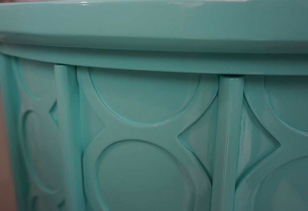 Turquoise lacquer