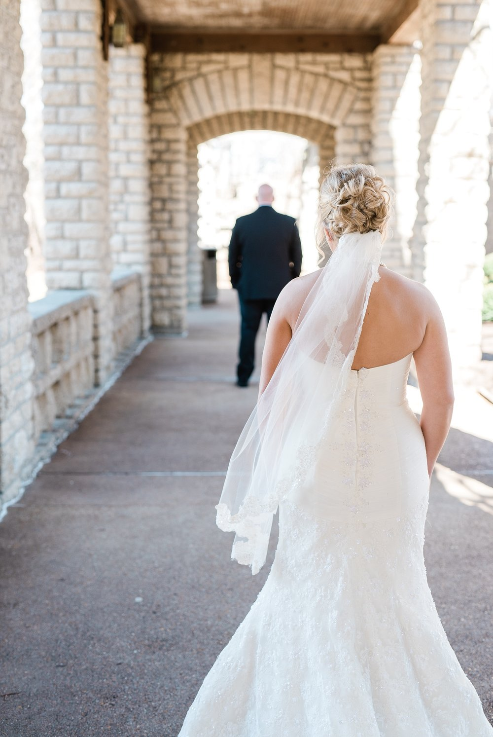 Light and Airy Spring Wedding Downtown Jefferson City Missouri State Capitol Millbottom_0005.jpg