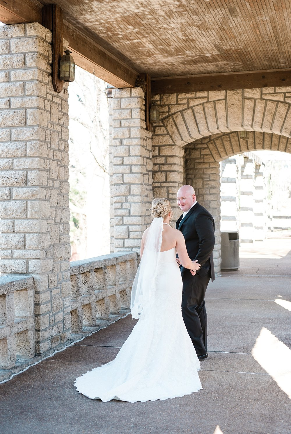 Light and Airy Spring Wedding Downtown Jefferson City Missouri State Capitol Millbottom_0007.jpg